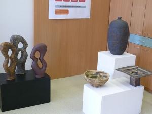 Výstava Hlavou i rukama - keramické objekty